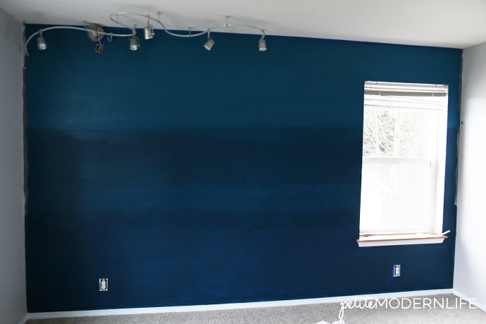 Awesome tips to be creative and make this fun ombre accent wall! | Petite Modern Life