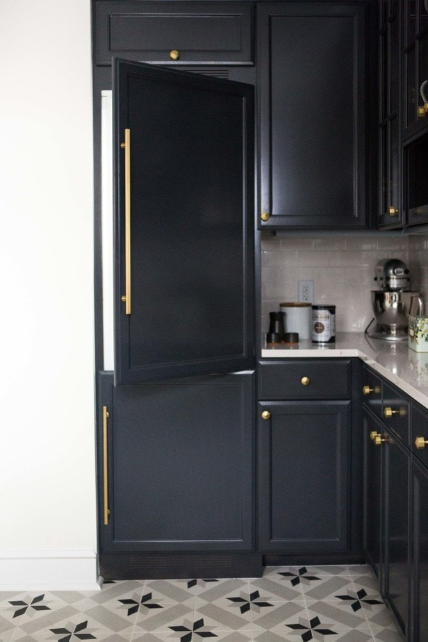 Benjamin moore black kitchen cabinet colors petite for Black onyx kitchen cabinets