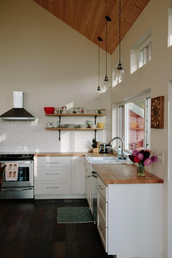 Gorgeous minimal barn house with modern farmhouse flare.