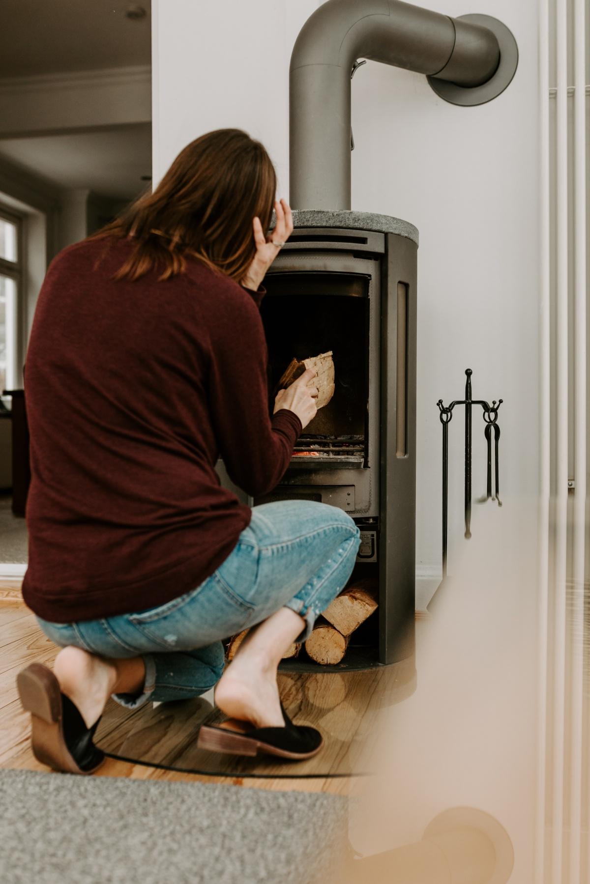 using a contur wood stove